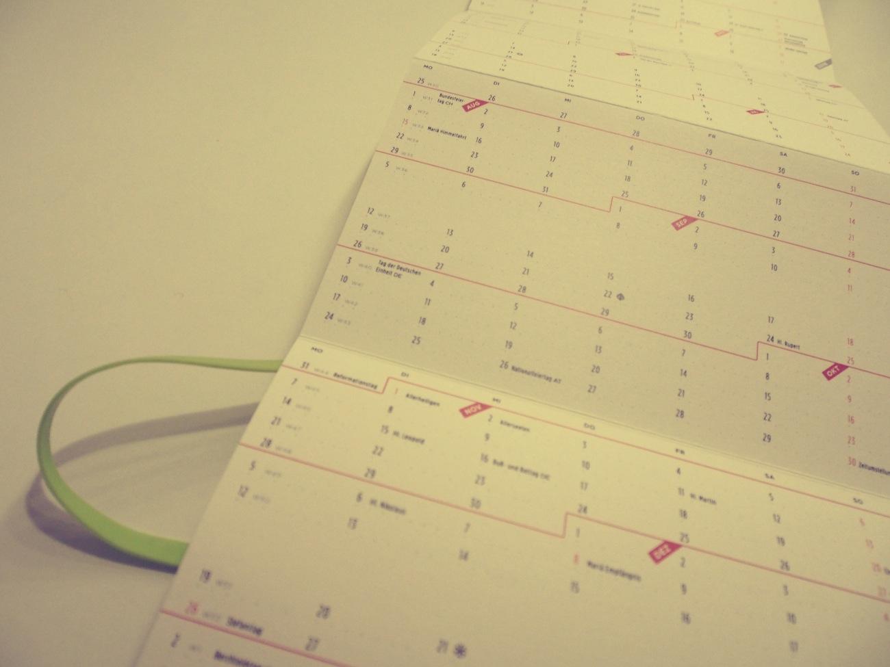lessthingz ein leporello kalender zoomlab. Black Bedroom Furniture Sets. Home Design Ideas