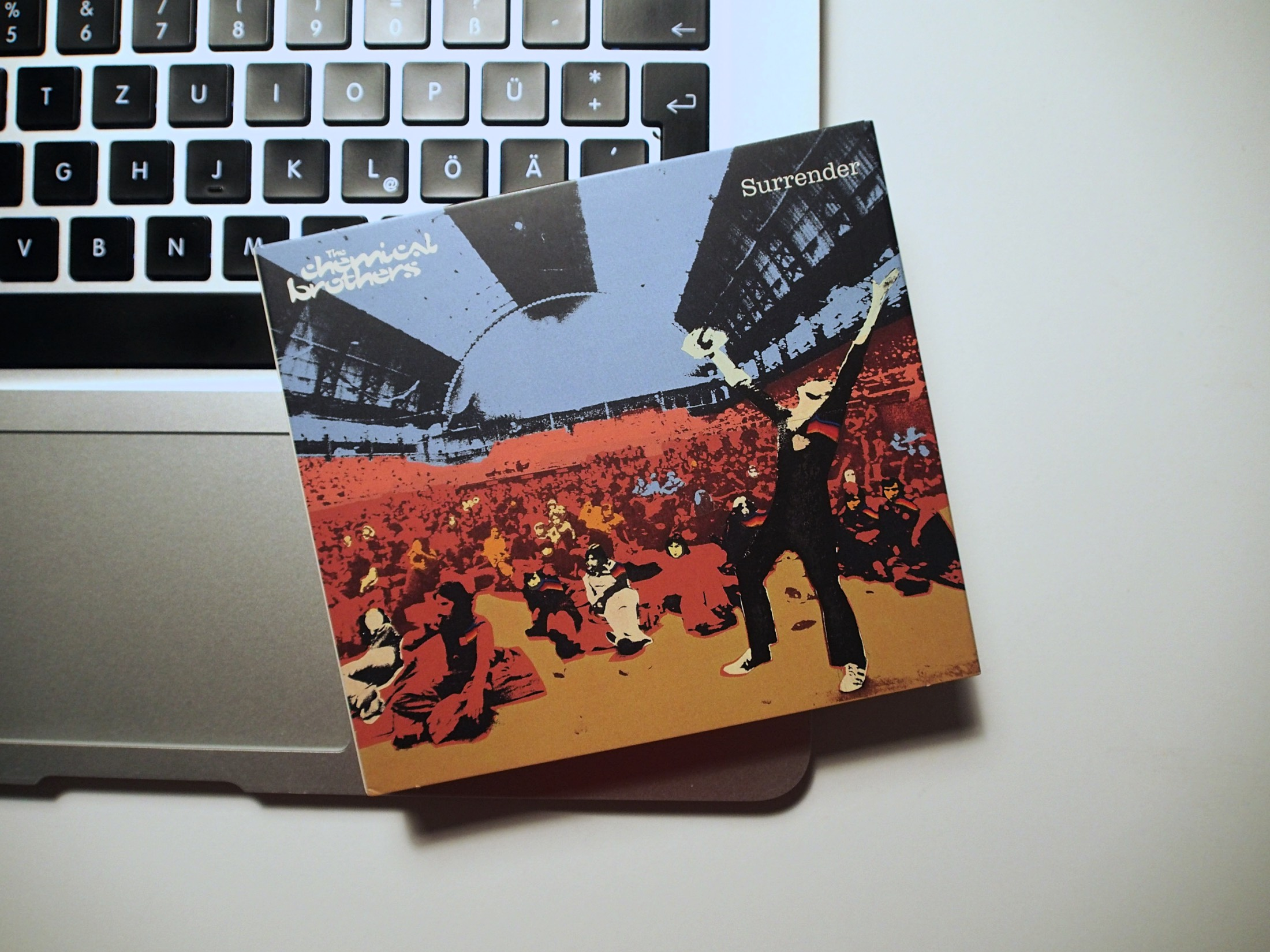 The Chemical Brothers / Surrender 20th Anniversary Box / Fotodinge ZoomLab